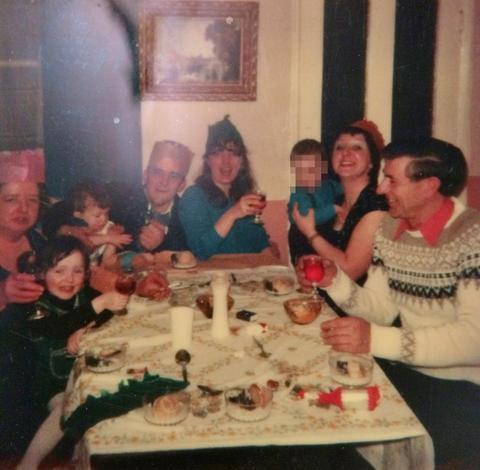 80s Family Christmas