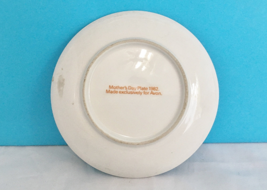 Vintage Avon Commemorative Plate Mothers Day 1982