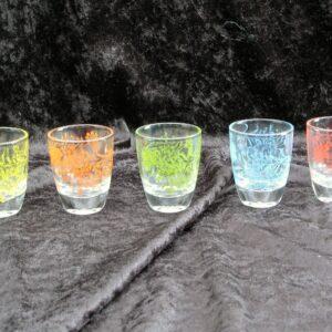 Vintage-Retro-Shot-Glasses-Set-of-5-Harlequin-Colours-Floral-Motif