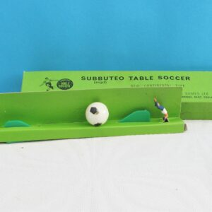 Vintage Subbuteo Table Soccer Set C102 Football Plus Diving Goalkeepers Blue Red