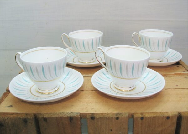 Vintage Queen Anne Bone China Caprice Tea Cups Saucers x4 60 70s