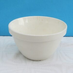 Vintage Traditional Ceramic Pudding Bowl 6 inch White 60s 70s
